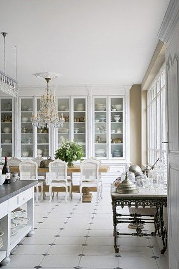 Antique& modern Belgian kitchen. Beautiful. Love the height; love the drawers.