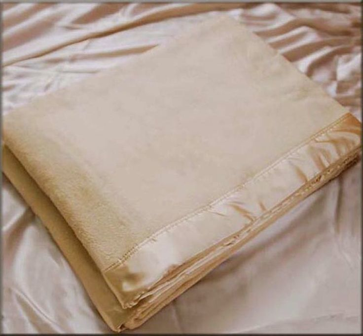 100% Pure Silk Blanket Size Double 180x220cm 1.7kg Sofa / Bed Throw Champagne in Home, Furniture & DIY, Bedding, Blankets   eBay