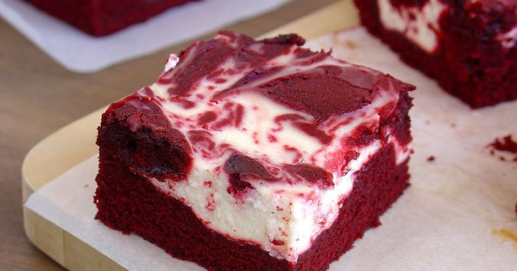 """Hace tiempo me declaré un fan incondicional de los Red Velvet, ya sea en versión tarta  o cupcake . Y si os gusta el famoso dulce """"terciope..."""