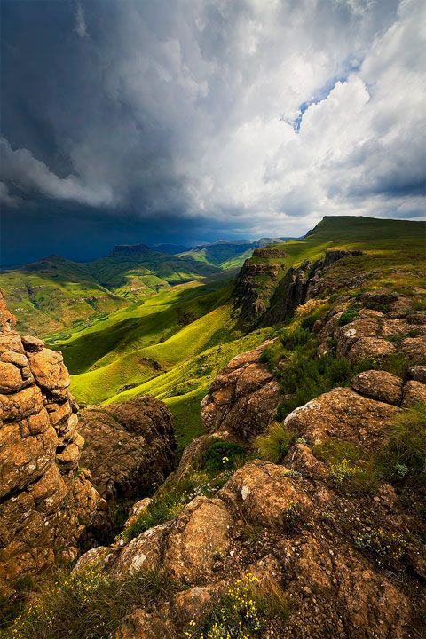 a thunderstorm rolls in over the drakensberg escarpment in the eastern cape of south africa