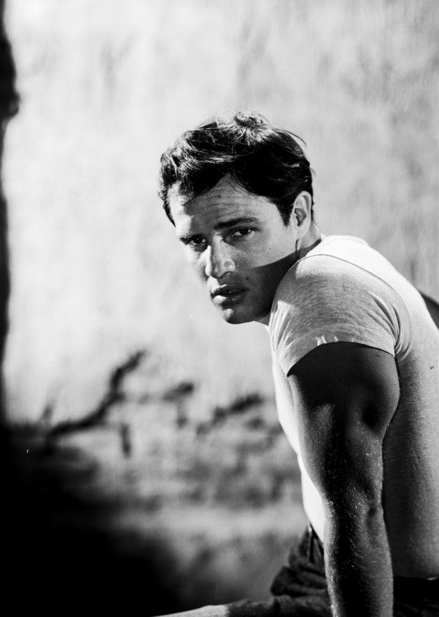 how to look like marlon brando in a tshirt mens style