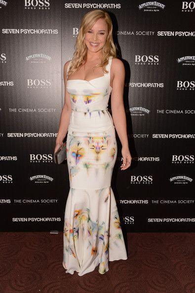 Hollywood Actress Abbie Cornish ...  Hmmm!! Yummy...   _