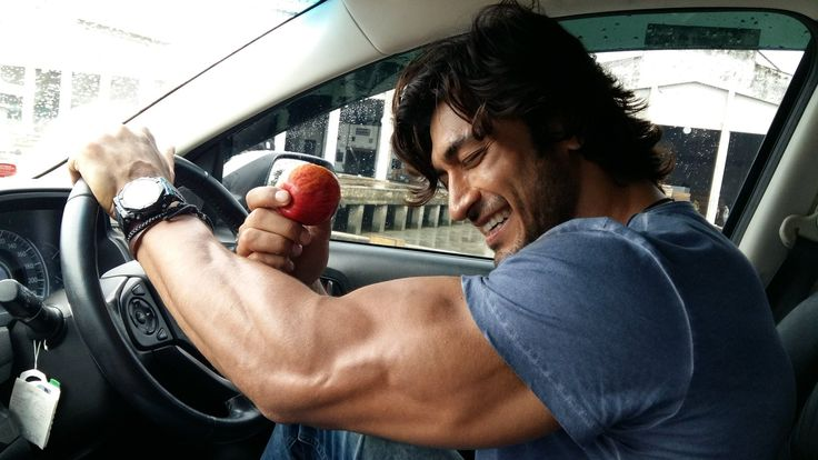 Vidyut Jammwal #Bollywood #India #Random #VidyutJammwal #VidyutJamwal