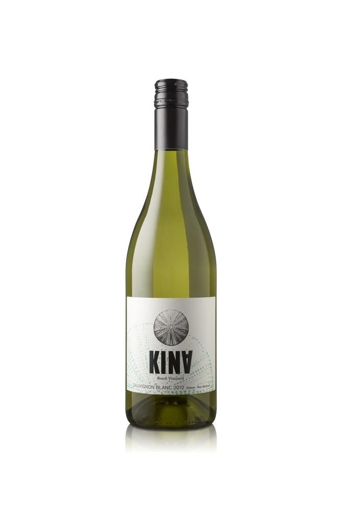This Sauvignon Blanc has a vibrant nose of gently pressed gooseberries; early morning misted dew on freshly thin cut grass dominates over a firm squeeze of lemons and lime. The palate is zesty and alive with fruit character but focused and well balanced. Racy acidity provides the right amount of edginess that is contained nicely by a gentle and pleasant softening on the finish. This wine is a fresh and fragrant drink. It is an excellent aperitif wine, or match with lighter dishes such as…