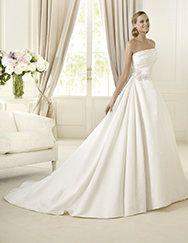Pronovias ti presenta l'abito da sposa Daimiel. Glamour 2013. | Pronovias
