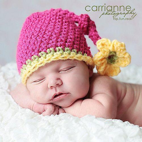Knotty flower crochet pattern (RAKJpatterns) @Sarah Nemitz - would be super cute for baby girl's newborn pics!