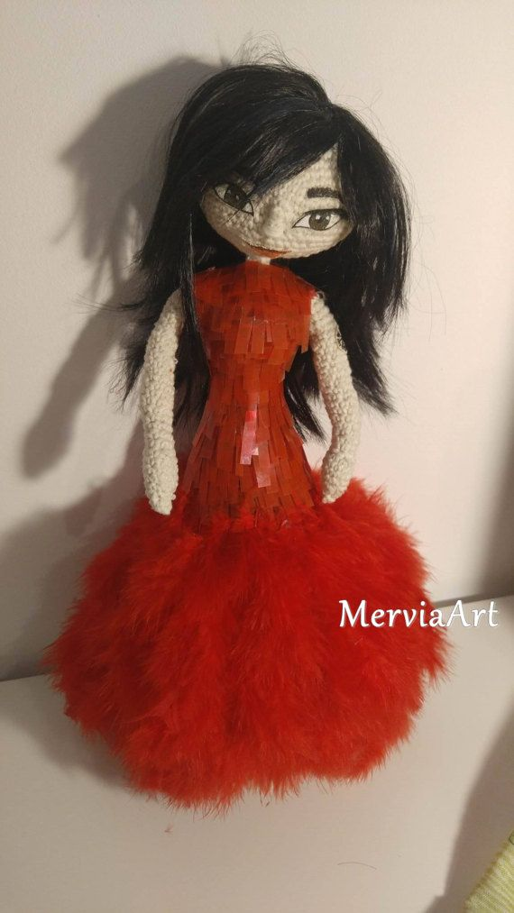 Björk Doll inspired by her concert at Royal Opera House. Her unique dress was designed by Alexander McQueen.  Björk was always my favourite artist and inspiration from childhood times with her unique and creative character. Since I do different type of artworks for long time and just started learning crochet and amigurumi I wanted to speak my imagination by creating this unique Björk doll.  The doll is around 40 cm and each part is done by hand. Body base is done in amigurumi technic, the…