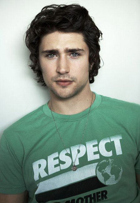 Matt Dallas so hot