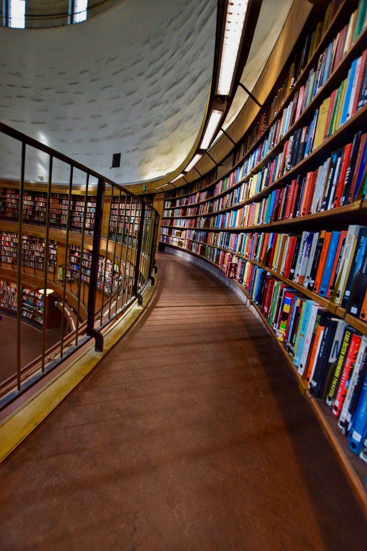 Stadsbiblioteket Photo: T.Paulzon