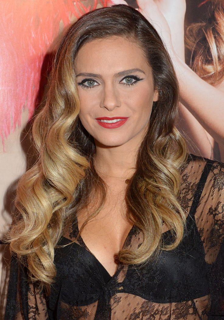 141 best images about clara morgane on pinterest videos black lingerie and watches. Black Bedroom Furniture Sets. Home Design Ideas