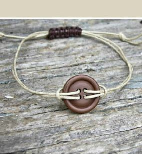 Jewelry Tutorial: Cord And Botton Bracelet - Click the image for the tutorial!