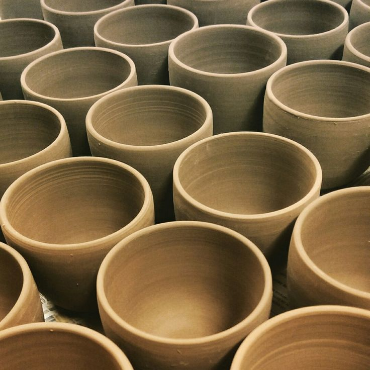 Throwing coffee bowls! - Bols à allongé en cours de production !  #CindyLabrecque #Etsy #ceramics #pottery #céramique #porcelaine #porcelain #crafts #métierdart #coffee #café