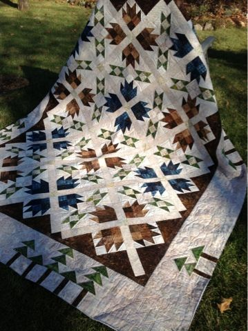 Log Cabin Quilter: Off the Longarm today