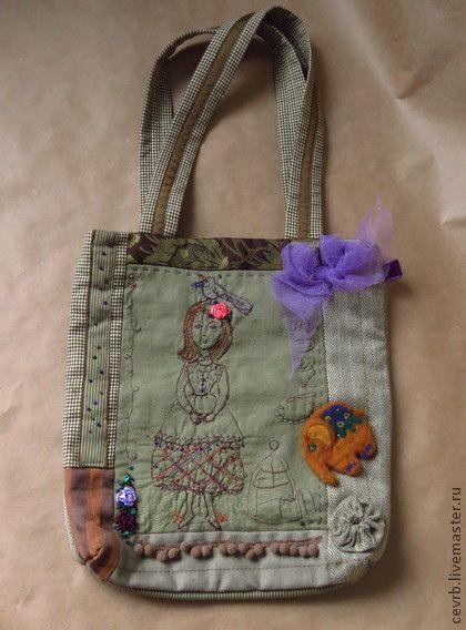 Сумка  `Моя Птичка`. Авторская сумка из серии 'Цирк'.  В комплекте - войлочный слоник от Юлии Петренко' . Застежка - магнитная кнопка.