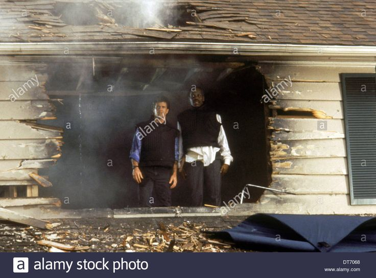 MEL GIBSON & DANNY GLOVER LETHAL WEAPON 2 (1989) Stock Photo