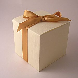 Square Individual Cupcake boxes: Ivory: 70mm