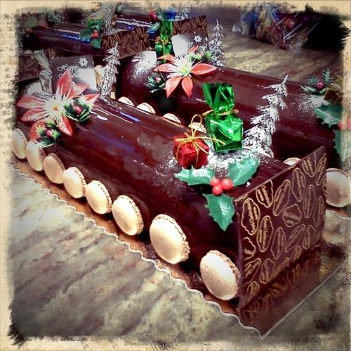 Moderne Wohnwand Buche: Modern Yule Log (Buche De Noel) White/Dark Chocolate