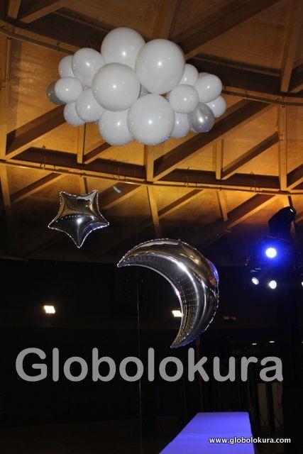 Decoración con globos para evento de empresa en  La Cúpula del CC Las Arenas de Barcelona. Celebración fin de Año - Año nuevo.  Globos burbuja ... Nubes de globos, noche de globos!!