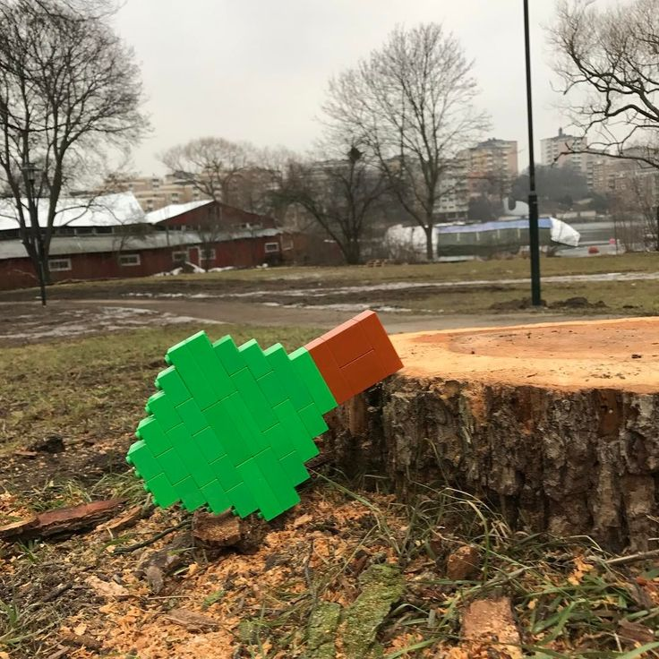 TIMBER!  This is a Lego Duplo tree sculpture and some streetart on top!  #timber #tree #wood #duplo #lego #legoart #art #sthlm  #sweden #streetart
