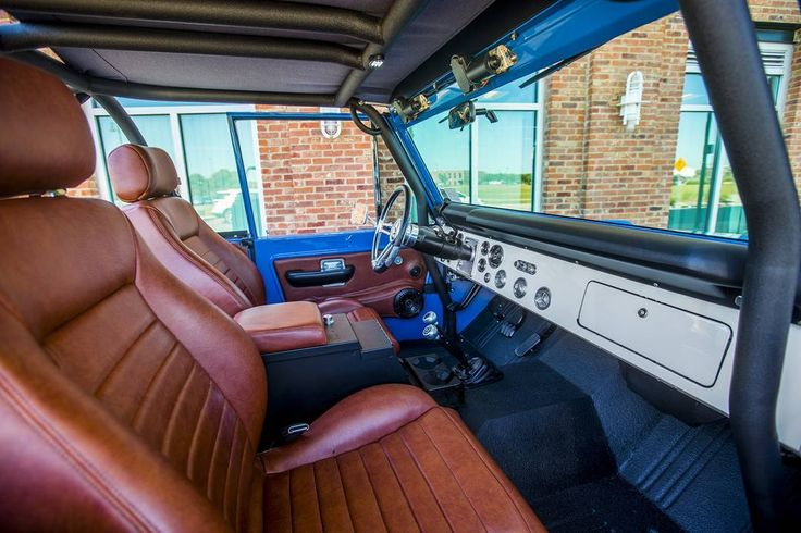 New interior shots from our latest photoshoot with the '76 Bronco. More to come over the weekend! #classicfordbronco #classic #earlybronco #vintagebronco #fordbronco #Ford #bronco #fordsofinstagram #earlybroncodrivers #fordtruck #fordracing #4x4 #shoplife #broncolife #Pensacola #blue #velocityrestorations