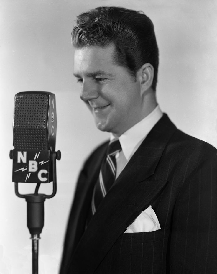 Longtime \'SNL\' announcer Don Pardo dies at 96 - Few would recognize his face but most would know his voice.  The durable radio and TV announcer's voice was often imitated.  He died quieting Monday in Arizona at age 96.  August 19, 2014