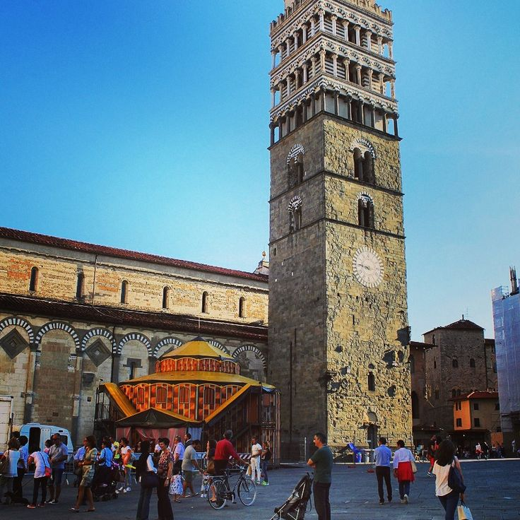 Piazza del Duomo, Pistoia   Here are five foodie ideas for your trip to Pistoia http://www.turismo.intoscana.it/allthingstuscany/tuscanycious/food-in-pistoia/