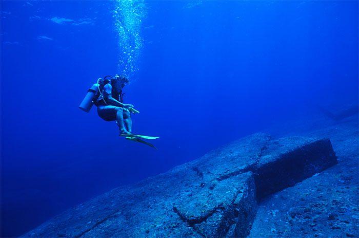 与那国島 海底遺跡 亀のレリーフ? - 不思議な世界旅行 写真館