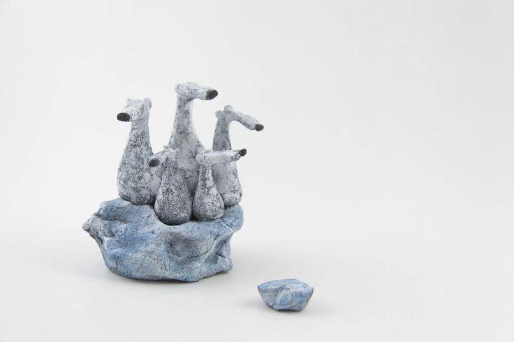"""Gres porcellanato scultura """"Ora cosa?"""" Figure di ceramica fatti a mano da Murtiga di Murtiga su Etsy https://www.etsy.com/it/listing/233326460/gres-porcellanato-scultura-ora-cosa"""