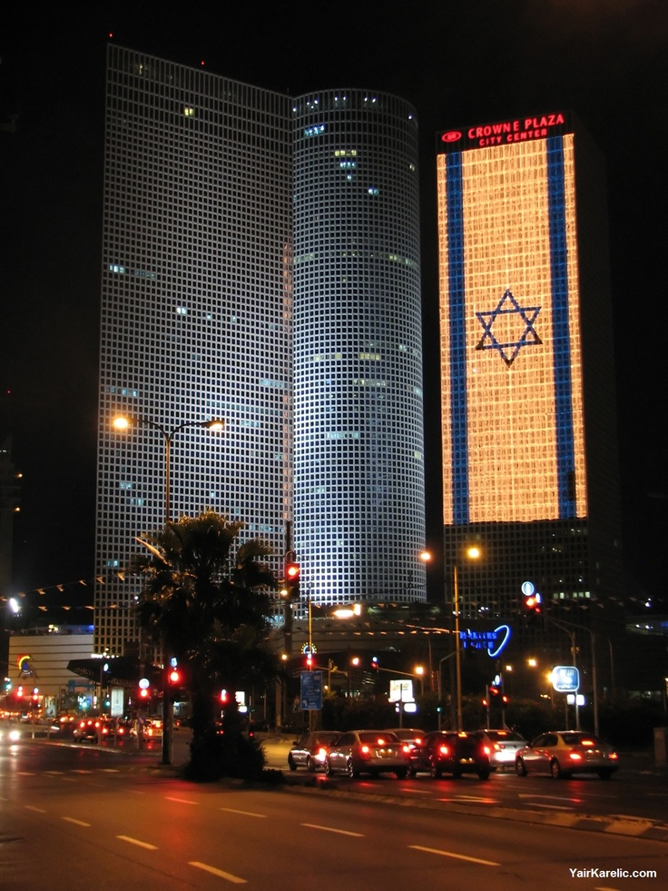 Azrieli towers in Tel Aviv also celebrating the Israel's Independence Day! www.facetozion.com
