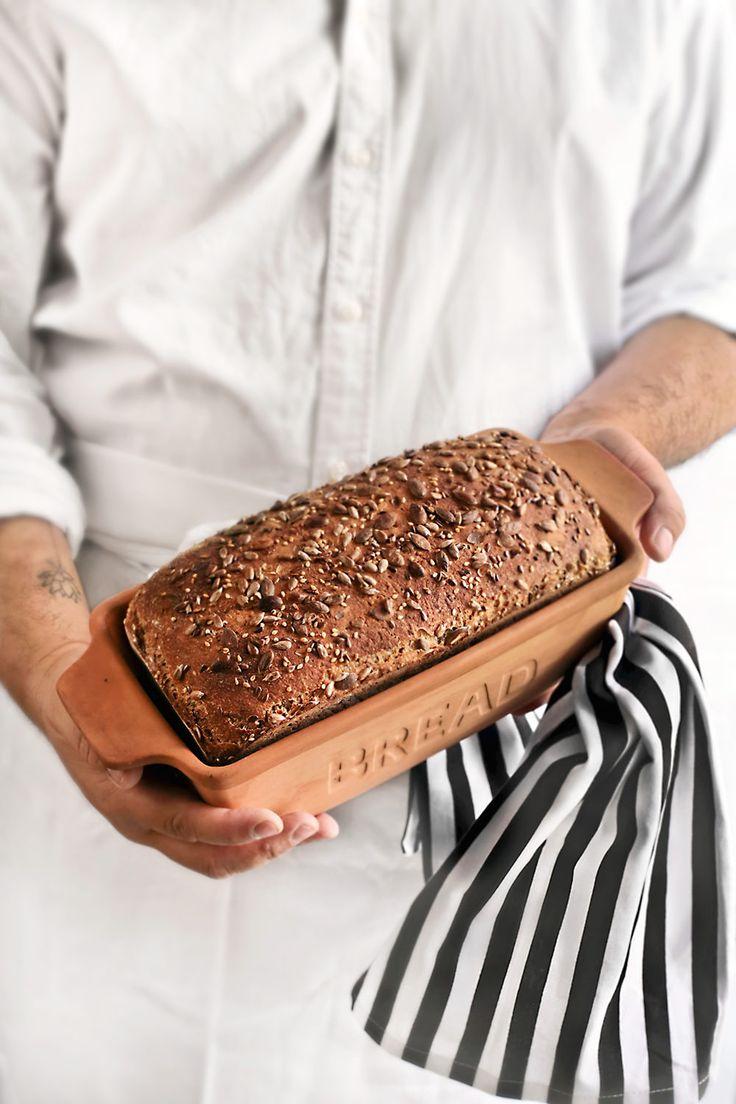 Hornea un delicioso pan de semillas de Richard Bertinet en casa. Fotos del paso a paso de la receta y consejos útiles para su elaboración.