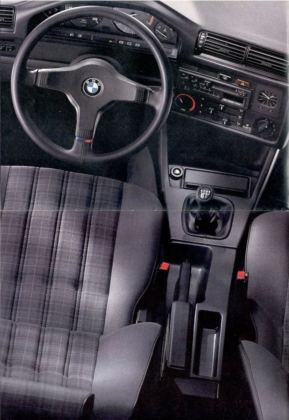 E30 BMW 318is interior