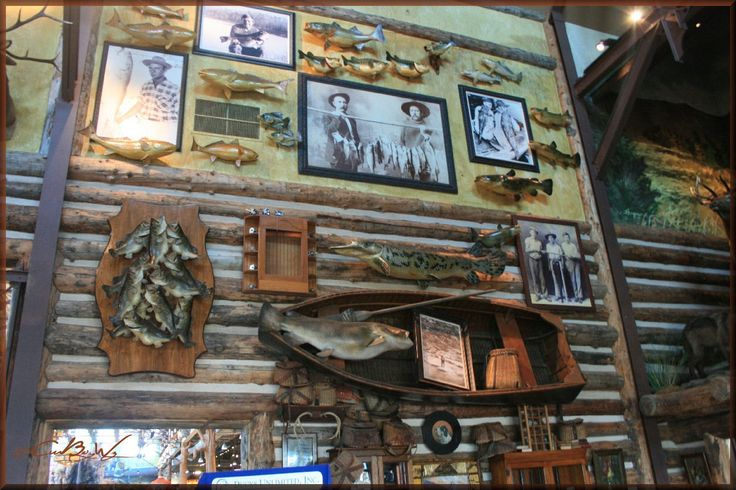 hunting lodge theme on pinterest fireplaces cabin and living rooms
