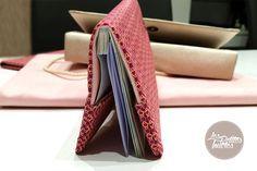 Réalisez un porte-chéquier en tissu, découvrez notre tutoriel de couture pour réaliser votre porte-chéquier en tissu très simplement. Plus