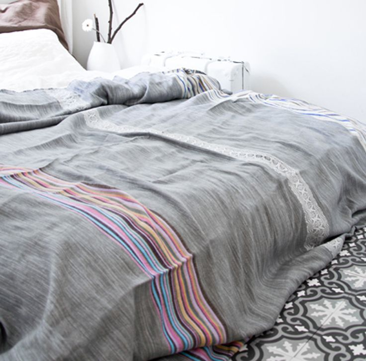 Beautiful Moroccan bed cover from El Ramla Hamra (Netherlands).