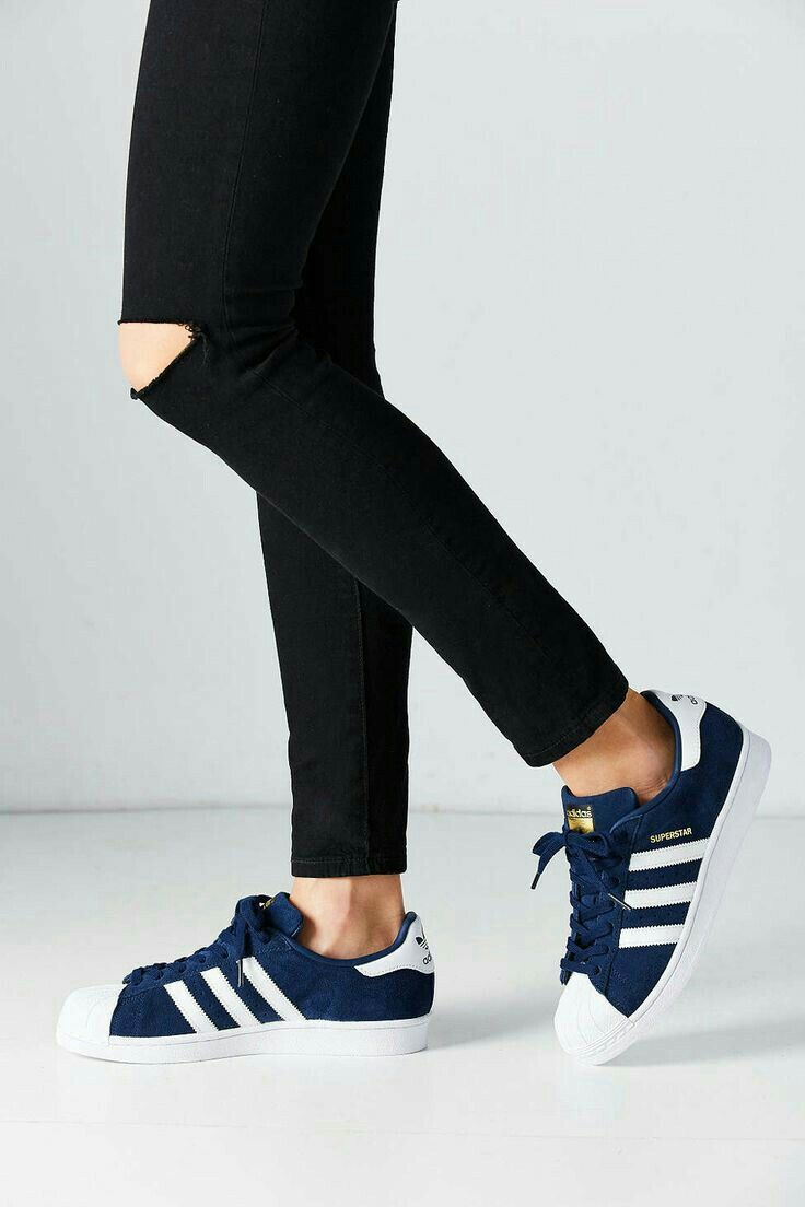 Chaussure, Chaussures Adidas, Baskets Grises, Espadrilles Femmes, Femmes  Adidas, Adidas Superstar, Les Femmes Des Chaussures De Course, Chaussures  Pour ...
