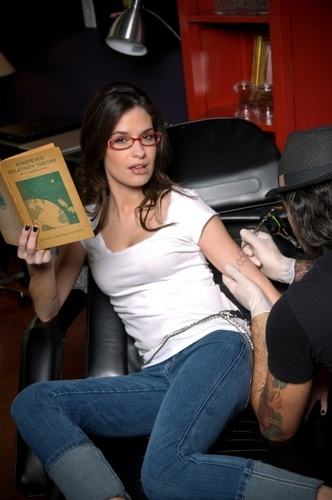 """Cara Santa Maria is the science correspondent and host of the """"Talk Nerdy To Me"""" series for the The Huffington Post."""