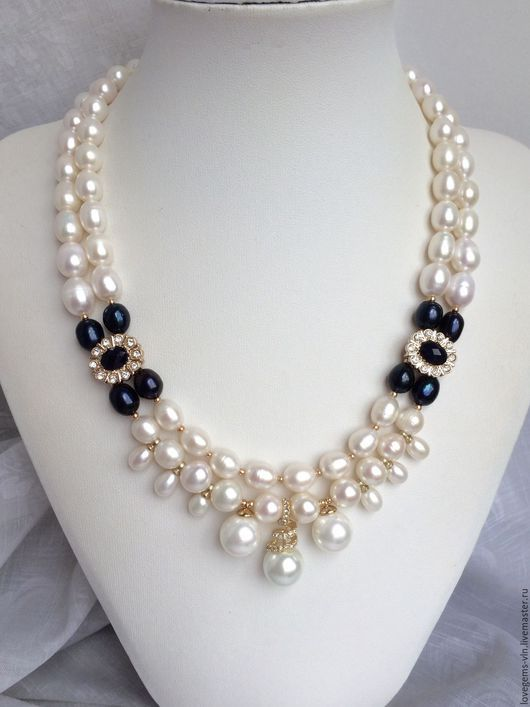 Pearl & black bead necklace