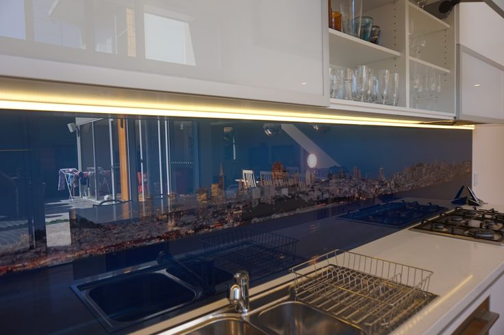 See San Francisco in the splash back!