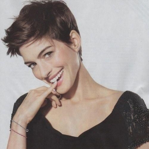 Anne Hathaway's short hair--cute