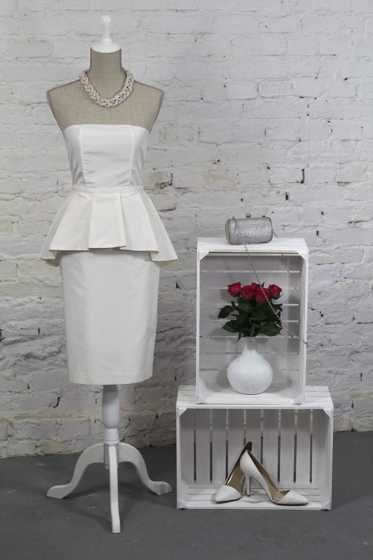 model formal, necklace - I am, bag - Parfois, shoes - Mohito