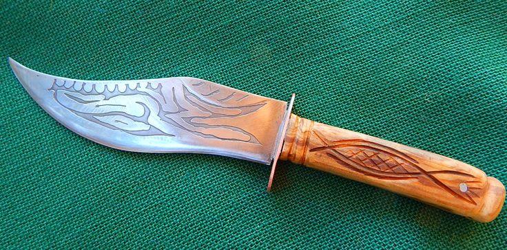 Μαχαίρι Κολοκοτρώνης- нож Kolokotronis- knife Kolokotronis (η λαβή είναι κατασκευασμένη από ξύλο ελιάς-рукоятка сделана из оливкого дерева-the handle is made of olive wood)