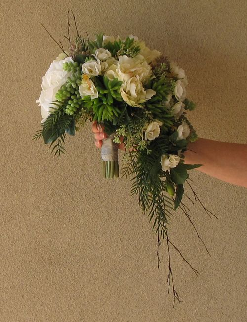 how to make a crescent bouquet