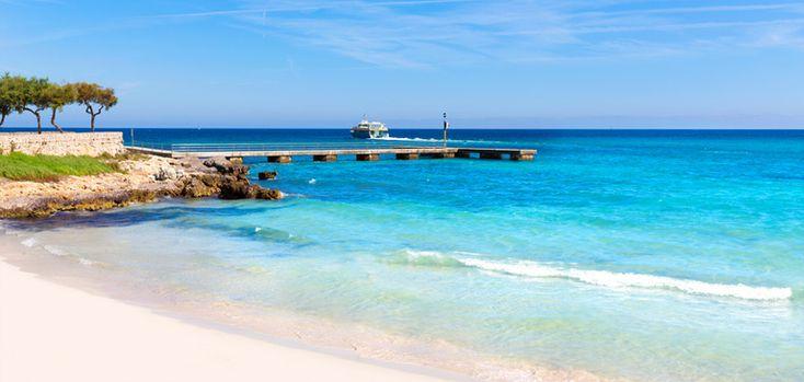 """Cala Millor auf Mallorca: Der Ort Cala Millor, dessen Namen übersetzt soviel bedeutet wie """"Beste Bucht"""", liegt an der Ostküste Mallorcas und kann als typische Touristenhochburg bezeichnet werden..."""