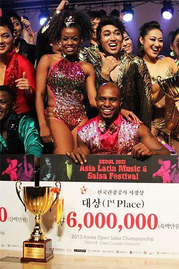 Pareja de bailarines de Cali ganó campeonato de salsa en Corea del Sur. Juan Carlos Preciado y Leidy Rivas, los protagonistas de este triunfo para Colombia: http://www.elpais.com.co/elpais/cultura/noticias/pareja-bailarines-cali-gano-campeonato-salsa-corea-sur