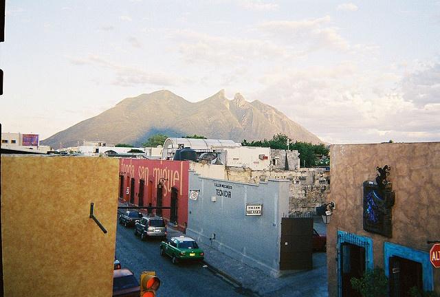 Barrio Antiguo, Monterrey, Nuevo Leon, Mexico (vista del Cerro de la Silla)