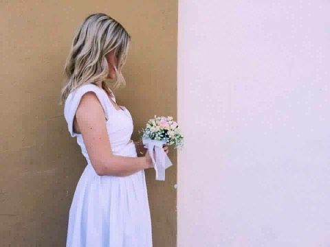 She may not shows her face but she is a really happy and beautiful Karavan girl in her bridal dress❤️❤️❤️ Maria Zormpa, we hope to live a life full of love! #karavan #karavangirl #bride #weddingdress