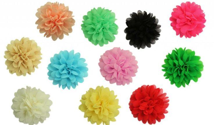 Hele mooie voile bloemen met een doorsnede van ongeveer 10 cm. Eenvoudig te bevestigen op je WaaaW kids jurk.
