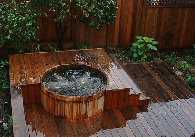 desfruta do maior relaxamento com uma jacuzzi exterior. Black Bedroom Furniture Sets. Home Design Ideas