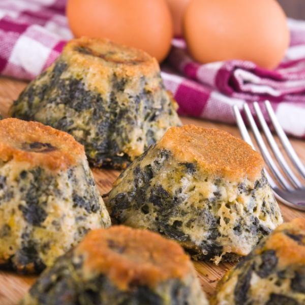 Aprende a preparar soufflé de espinacas light con esta rica y fácil receta.  Llevar a cabo una dieta para perder peso no tiene por qué ser sinónimo de pasar hambre y...