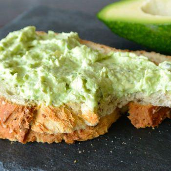 Spread van avocado en geitenkaas ♥ Foodness - good food, top products, great health